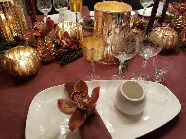 Desember-Høytid også for dekking av bord!