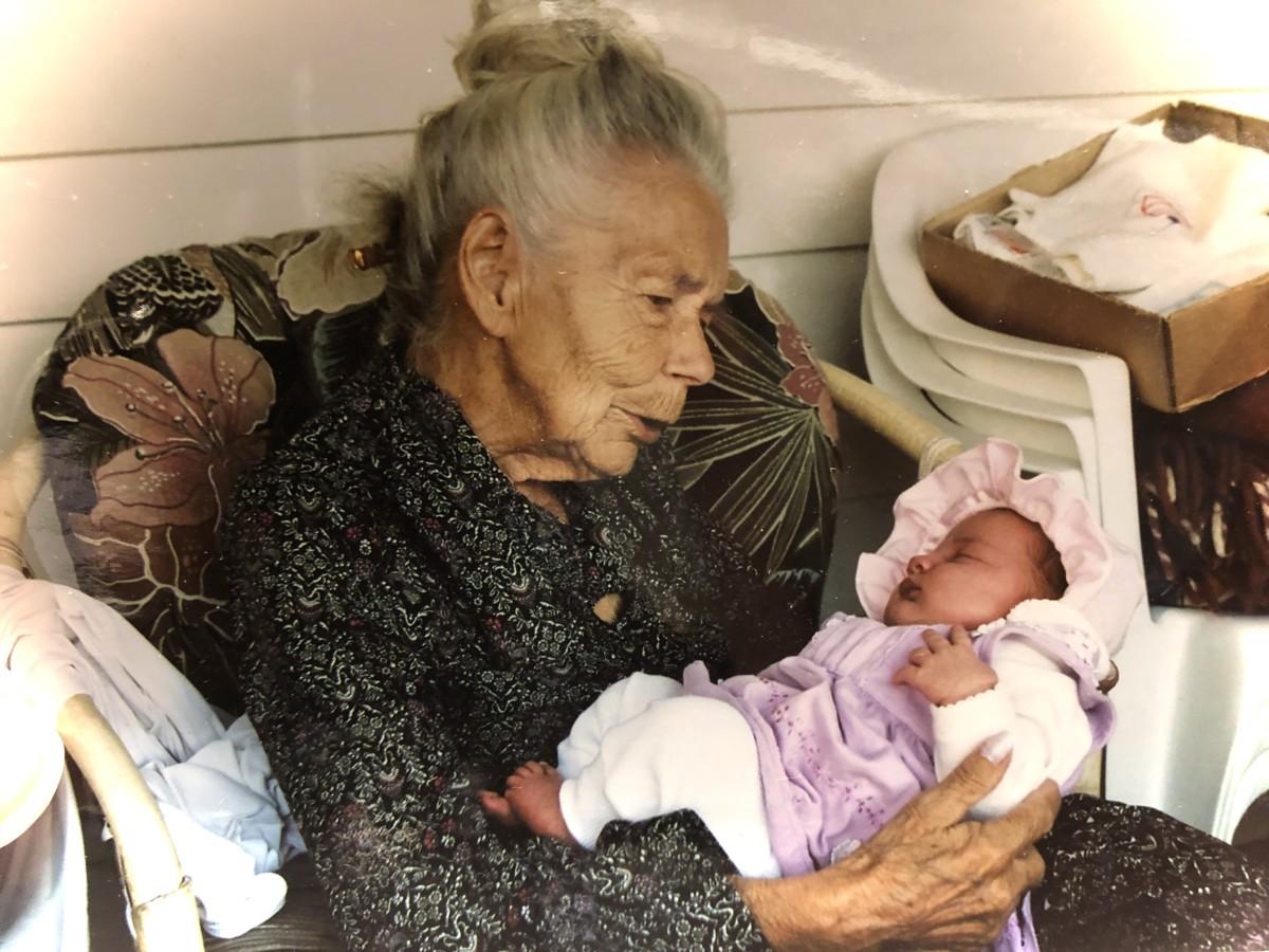 Oldemor Ruth Elvine med Maja Linea 2003