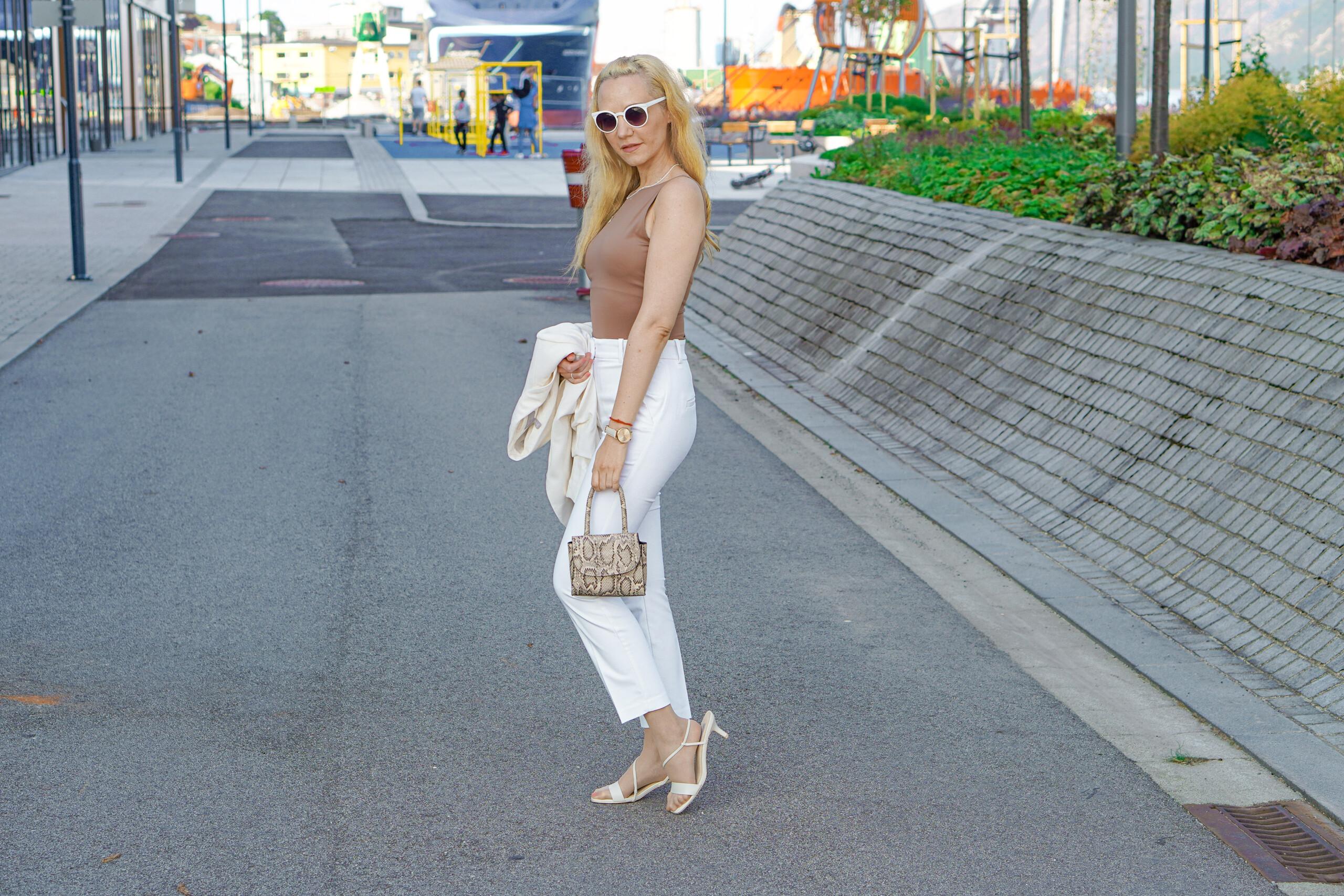 hvitt dress sandnes