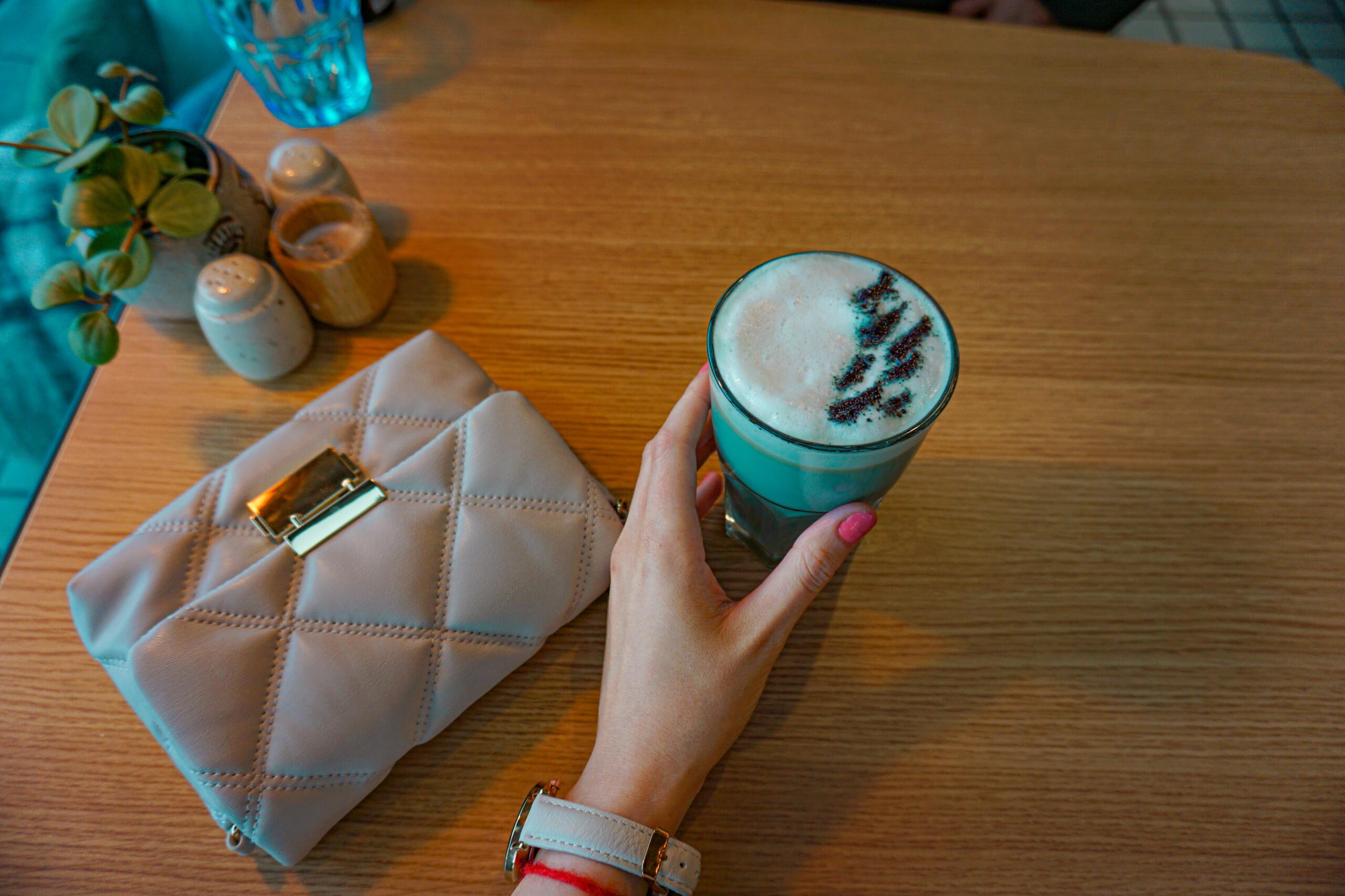 blå latte roya