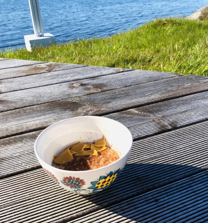 Frokosttips havregrøt med brunost