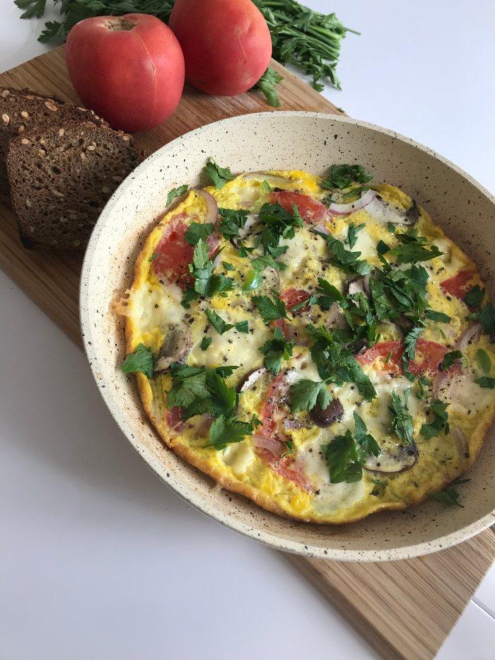Sunn & fargerik omelett