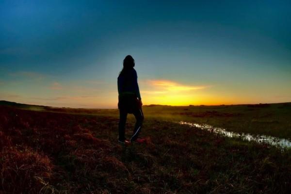 Friluftsliv på Leka; Norges geologiske nasjonalmonumentet. Tur til Skeisnesset for å se solnedgang og soloppgang