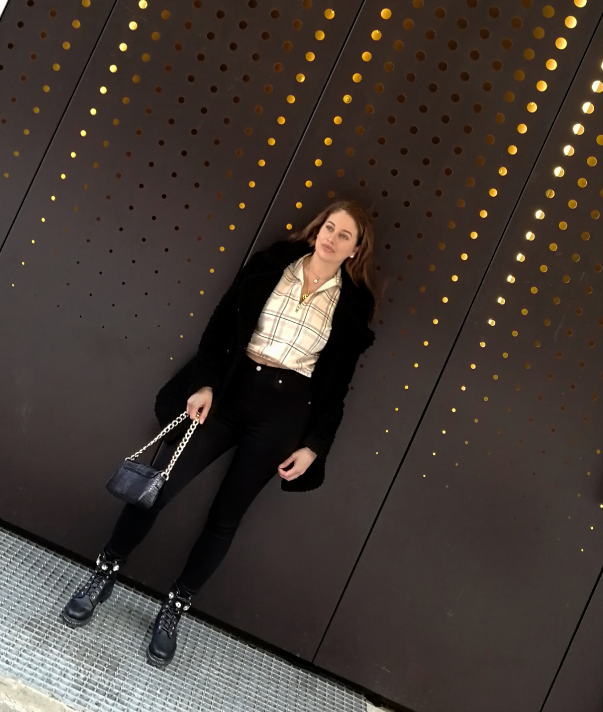 isalicious-blogg-blogging-blogger-blog-mote-trend-stil-fashion-style-outfit-antrekk-look-makeup-sminke-ootod-missguided-drdenim-nelly-nellycom-purse-bag-clarosa-jeans-top-topp-france-norway