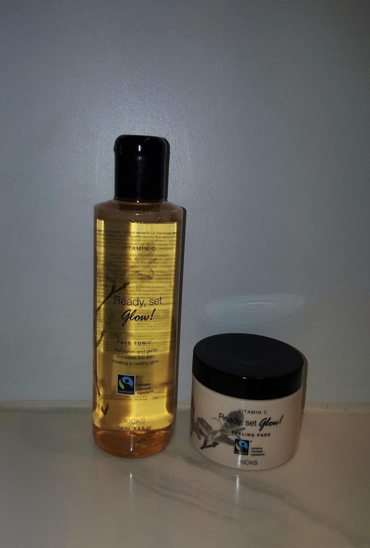 pakke-newin-new-kicks-shopping-shop-innkjøp-isalicious-produkter-hudprodukter-hud-skincare-skincareroutine-hudpleie-hudpleierutine-products-facetoner-toner-peeling-vitaminc-glow-peelingpads-sensitivhud-sensitiveskin