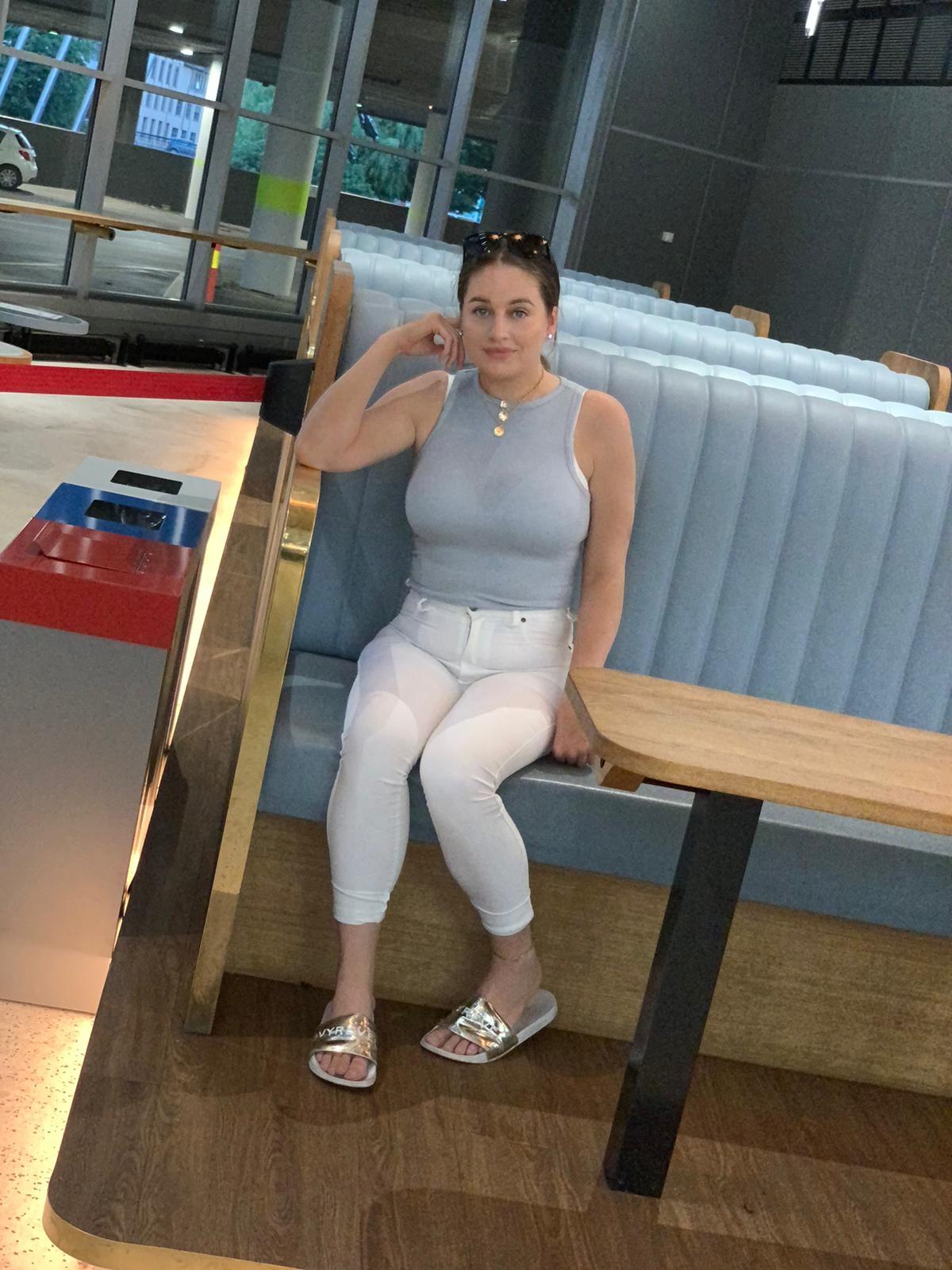 drøbak-handelshuset-selfie-outfit-style-fashion-stil-mote-trend-sminke-look-sminkelook-sommer-bursdag-mat-middag-tur-natur-lasagne-fridays-oslo-gaver-rituals-shopping-trening