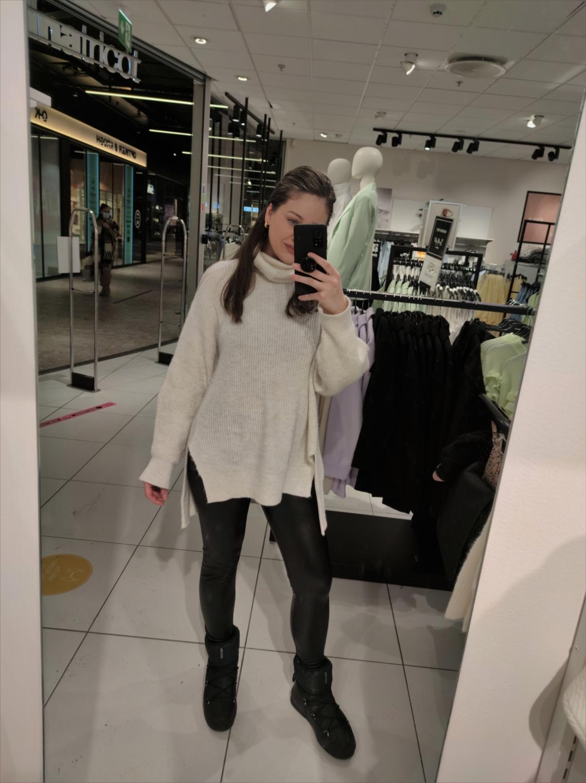 outfit-antrekk-antrekker-outfits-klær-mote-trend-stil-fashion-style-look-makeup-sminke-hud-shopping-lookoftheday-moonboot-calzedonia-stradivarius-isalicious-isalicious1-isalicious.blogg.no