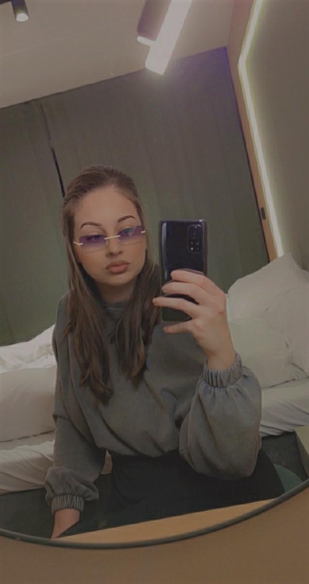 lookoftheday-look-makeup-sminke-dagenslook-outfit-antrekk-grått-style-fashion-stil-mote-trend-sminkelook-jeans-drdenim-stradivarius-hoodie-genser-isalicious-isalicious1-isalicious.blogg.no-blogg-frogner-oslo-bygdøy