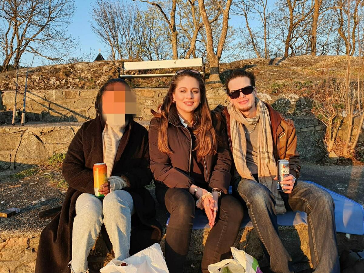 blogger-blogg-blogging-grilling-nattitlførste-nattitil1mai-chupachups-ledlys-rettetang-mat-middag-pakker-utsikt-mozzerellasticks-outfit-antrekk-klære-newin-innkjøp-park-chowmein-isalicious.blogg