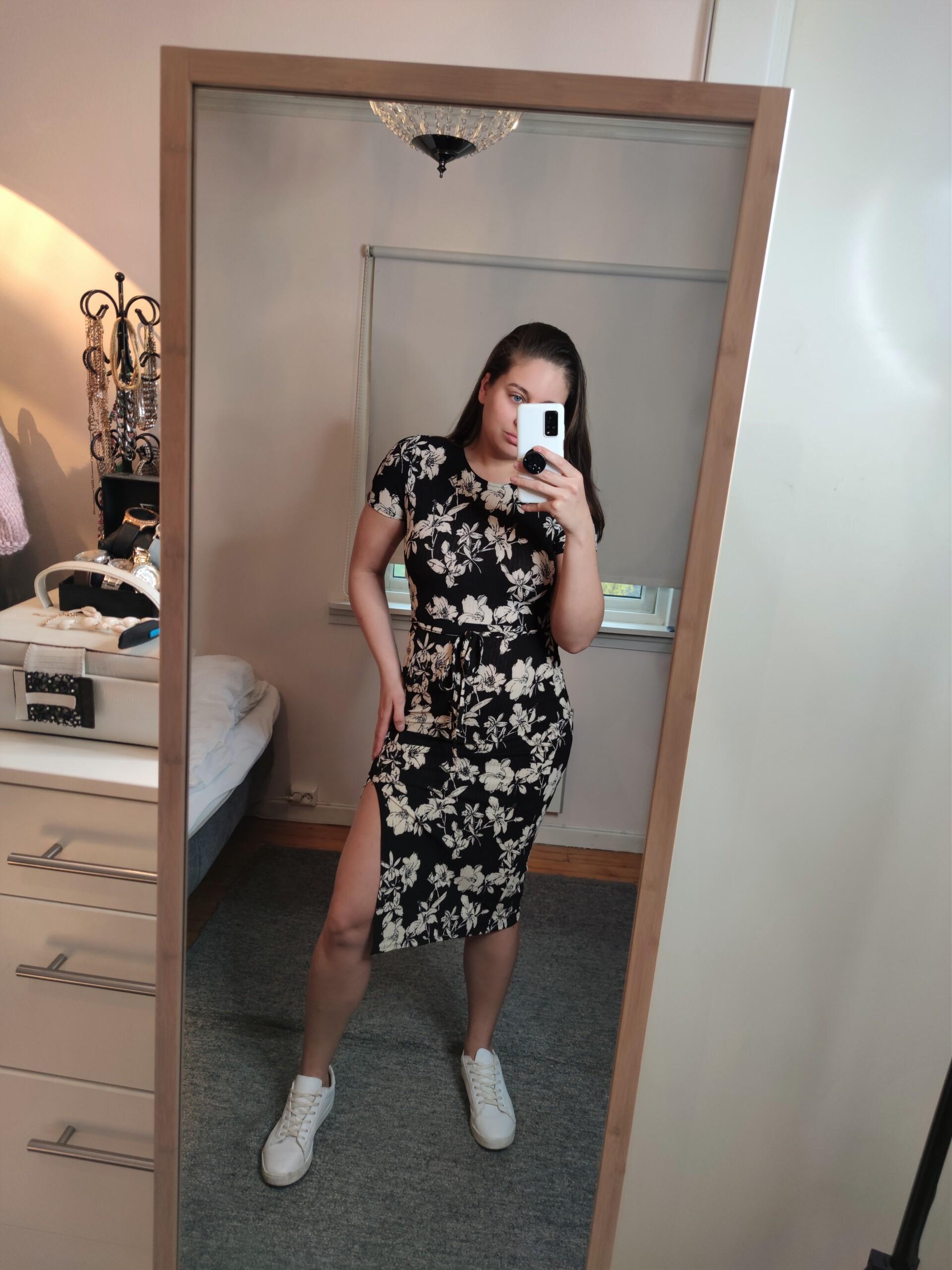kjoler-bubbleroom-bubbleroomstyle-style-fashion-trend-stil-mote-newin-innkjøp-klær-nytt-nyeinnkjøp-posere-isalicious-isalicious1-isalicious.blogg.no-toppblogger-17mai-blogger-blogg-17.mai-