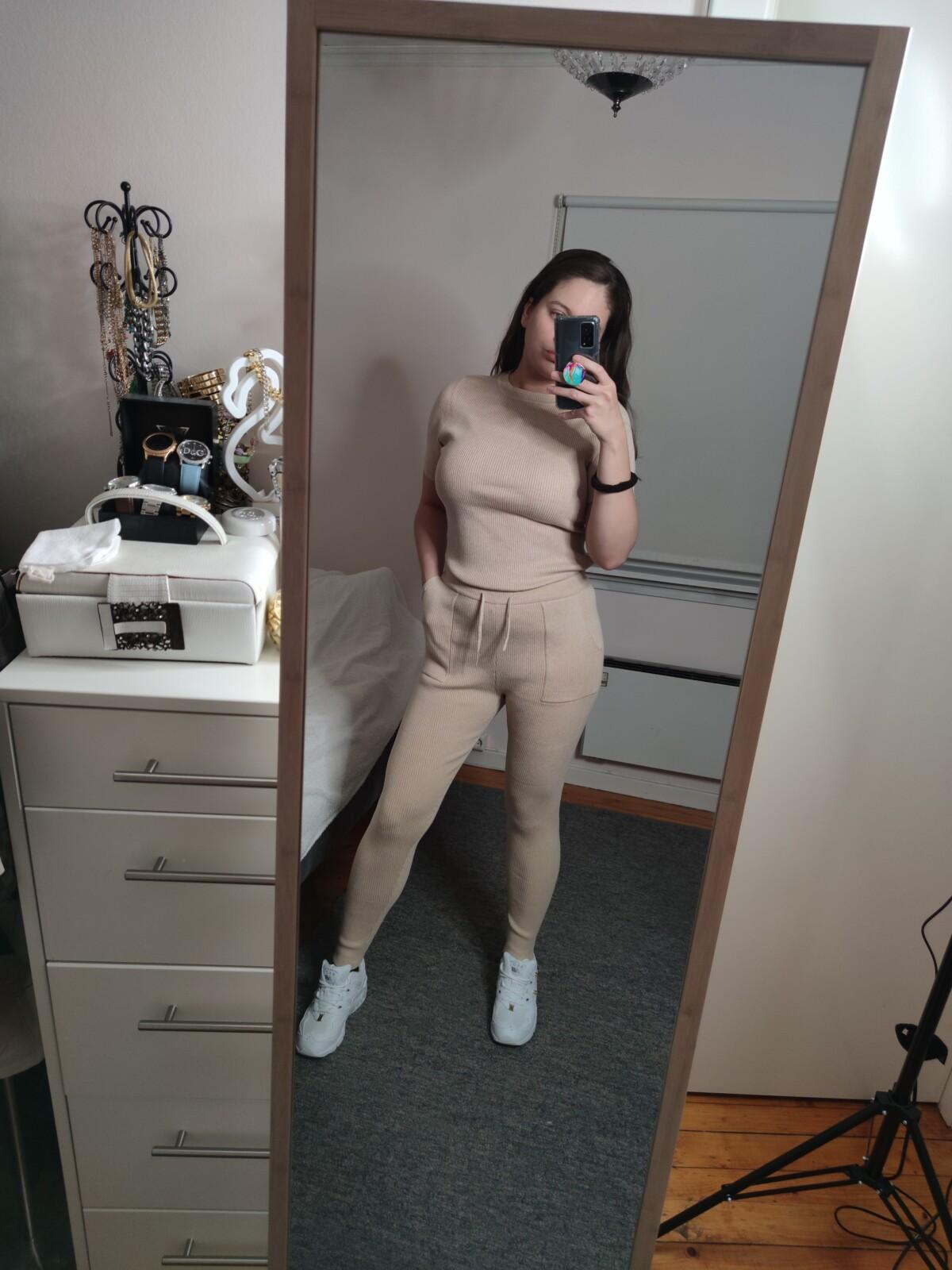 isalicious-isalicious1-isalicious.blogg.no-mote-trend-stil-blogg-blogger-outfit-antrekk-klær-innkjøp-famme-treningsklær-loungeklær-outfit-antrekk
