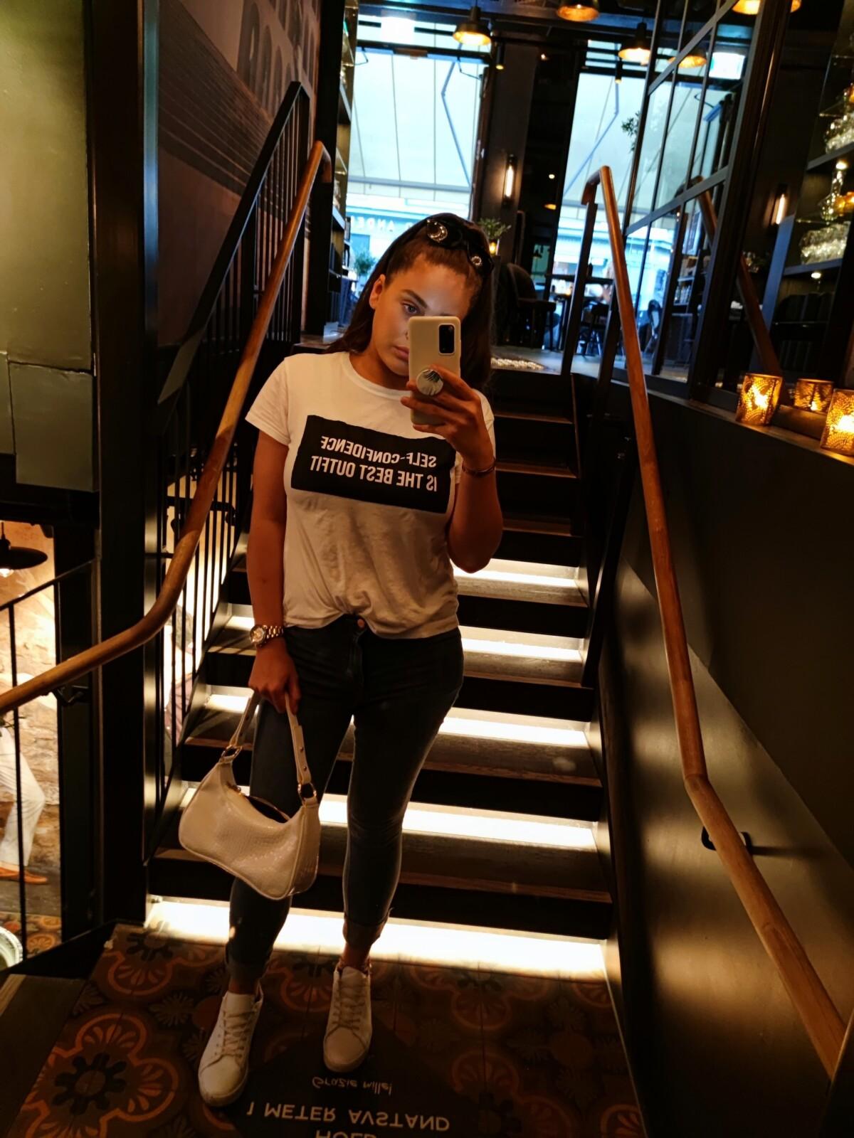 antrekk-restaurant-oliviarestauranter-oslo-oliviaeger-mat-restaurant-natur-stranda-sprostranda-burgerking-fotograf-minhelg-norge-norway-solnedgang-isalicious-isalicious1-isalicious.blogg-camillapihl-camillapihlglowmist-nellycom-nelly-oslobilder-naturfotografier-himmel-glød-eventyrfabrikken-naturbbilder-sjø-bølger-indiskmat-indiskmiddag-hjemmelagetindisk-stil-mote-trend-sminke-makeup-salat-antrekk-outfit-dagenslook-look-dagenssminke-
