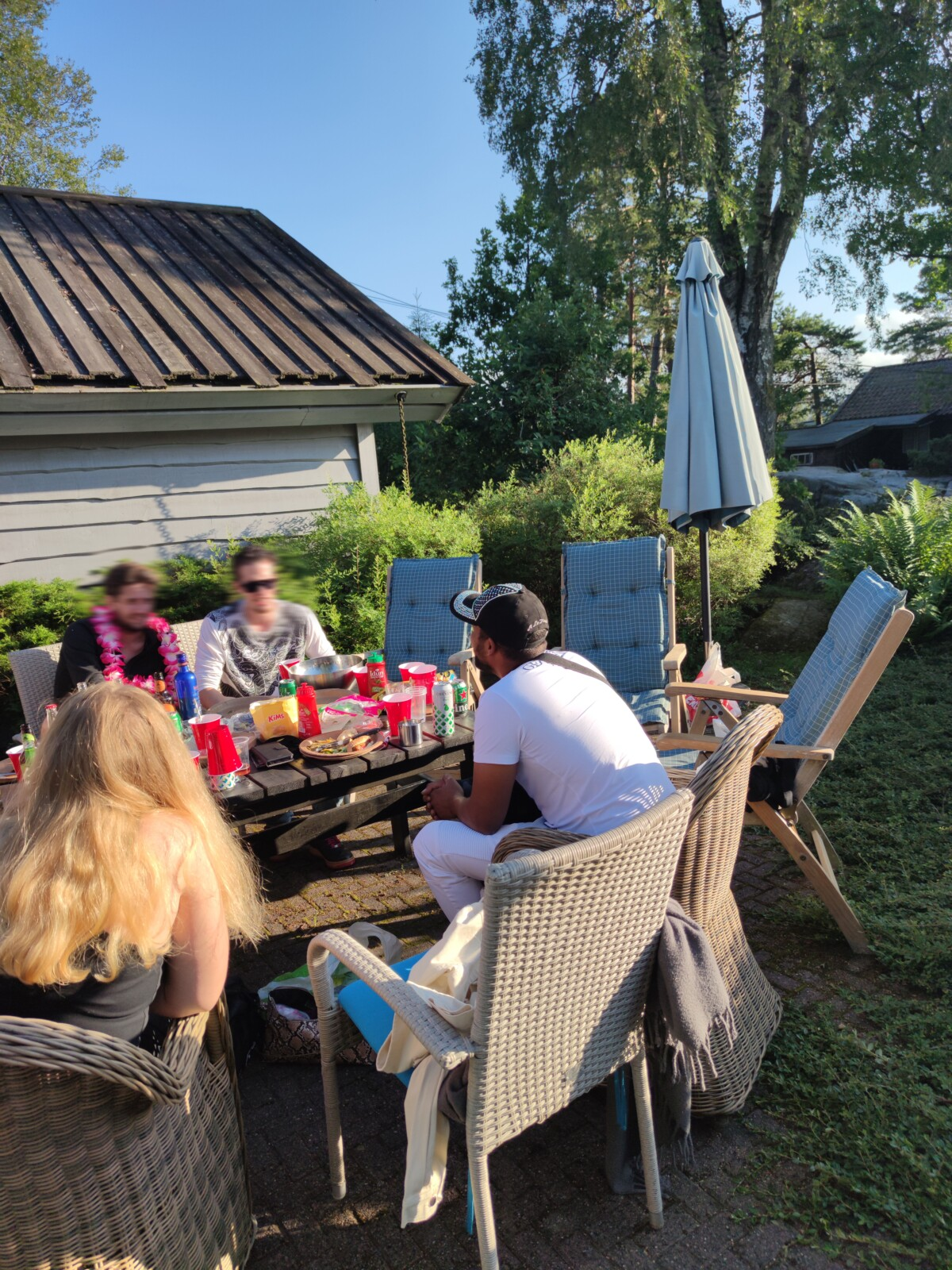 blogger-blogg-poolparty-norsksommer-isalicious-isalicious1-party-venner-fest-sommer-norgesommer-svømmebasseng-isalicious.blogg_.no