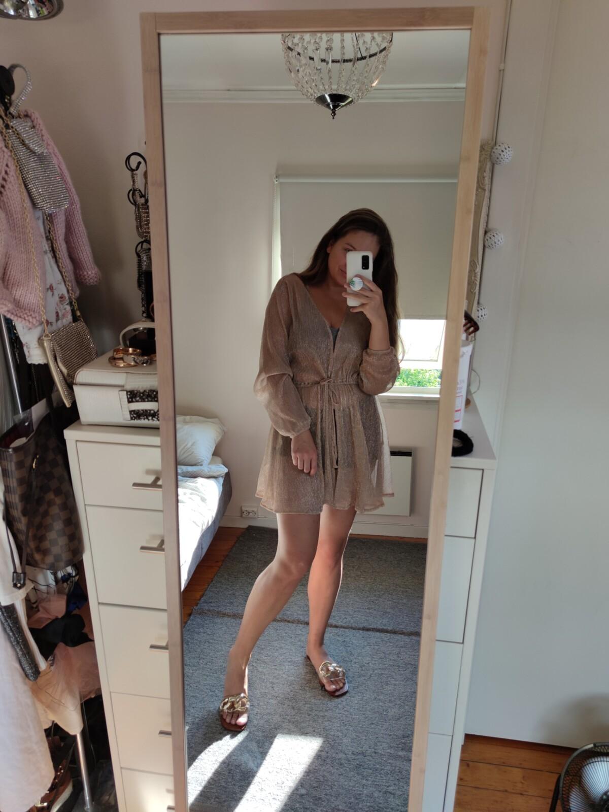 hm-hennesogmauritz-innkjøp-handel-shopping-kjoler-sommershopping-sommerklær-kjøp-newin-klær-outfit-antrekk-sko-veganskesko-veganshoes-vegansko-vegansk-skinn-isalicious-isalicious1-isalicious.blogg.no-h&m-blogger-blogg-mote-trend-stil-fashion-style-inspo-storshopping-