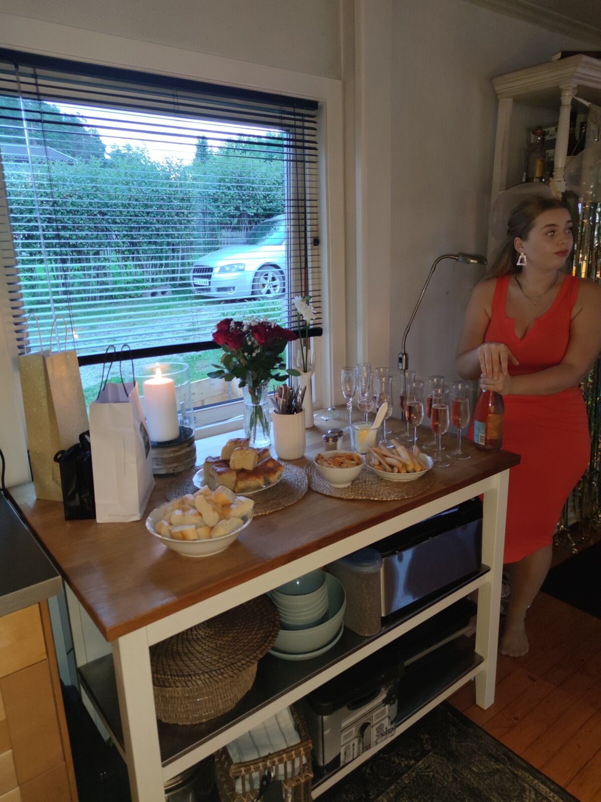 bursdag-30årsdag-bursdagselskap-30år-isalicious-isalicious1-look-sminke-antrekk-venner-30årslag-supriseparty-party-bestevenner-lykkelig-isalicious.blogg-champagne-tapas-mat-middag