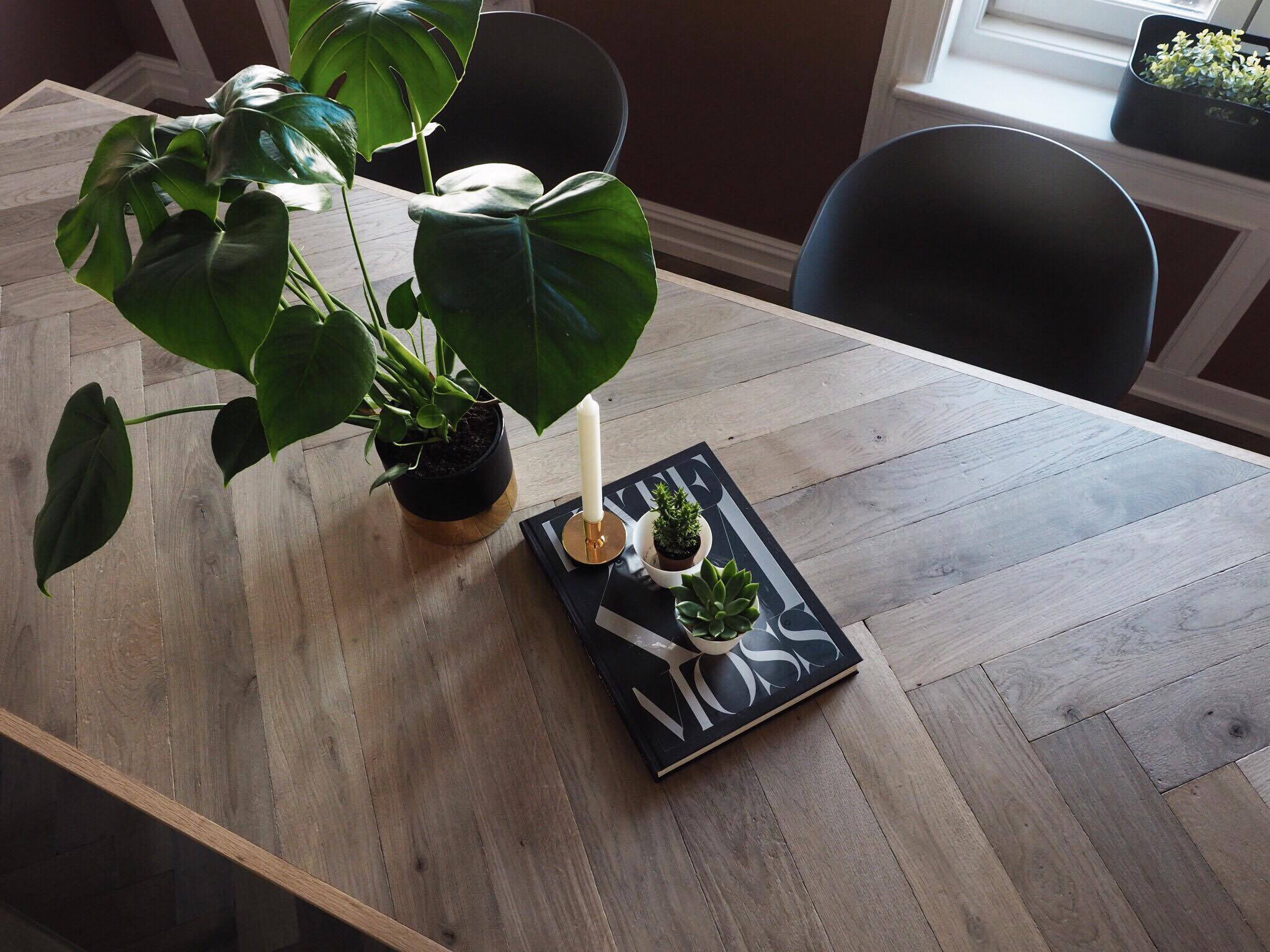 LENE ORVIK – Herringbone table