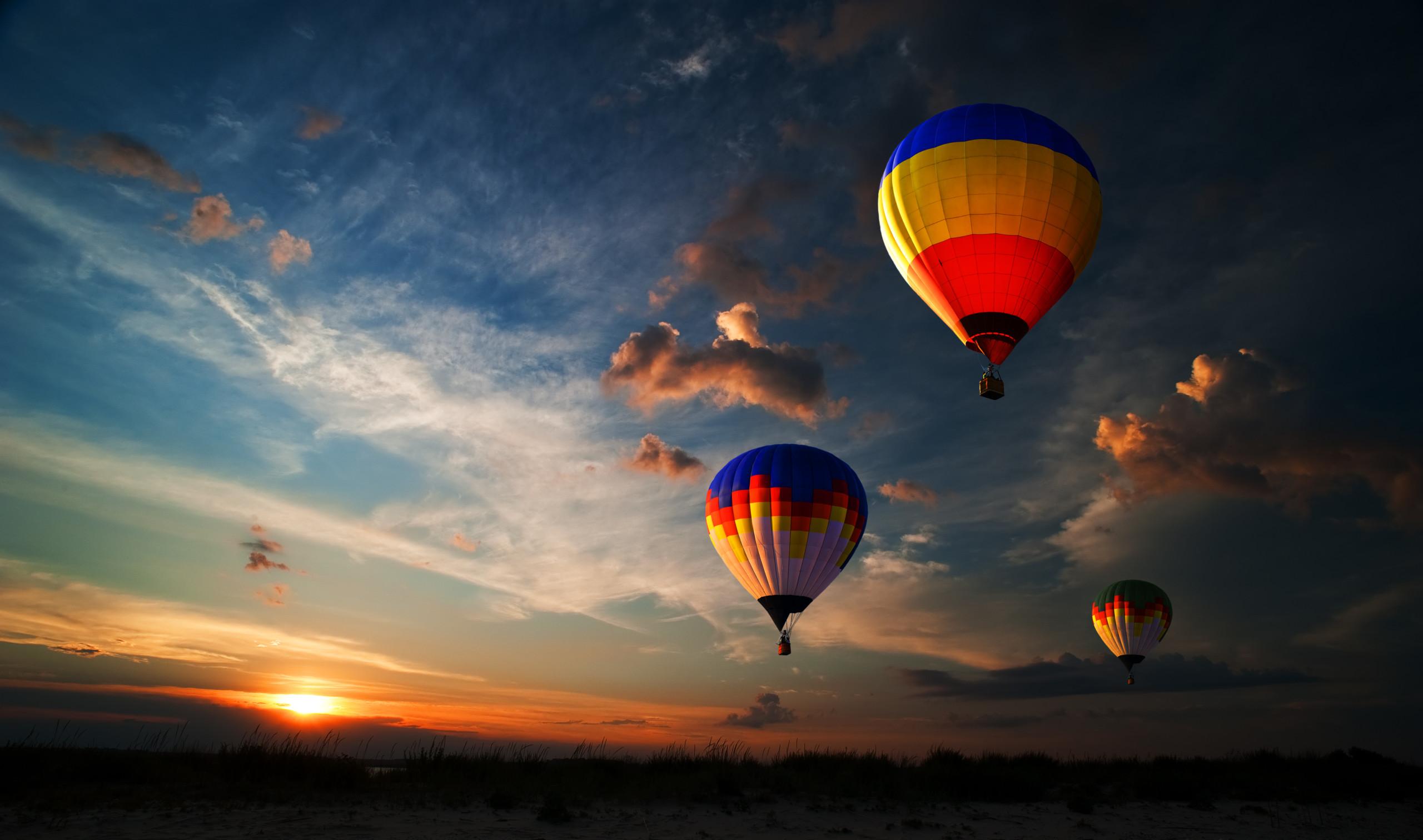 Dubai-Hot-Air-Ballooning_1439553571