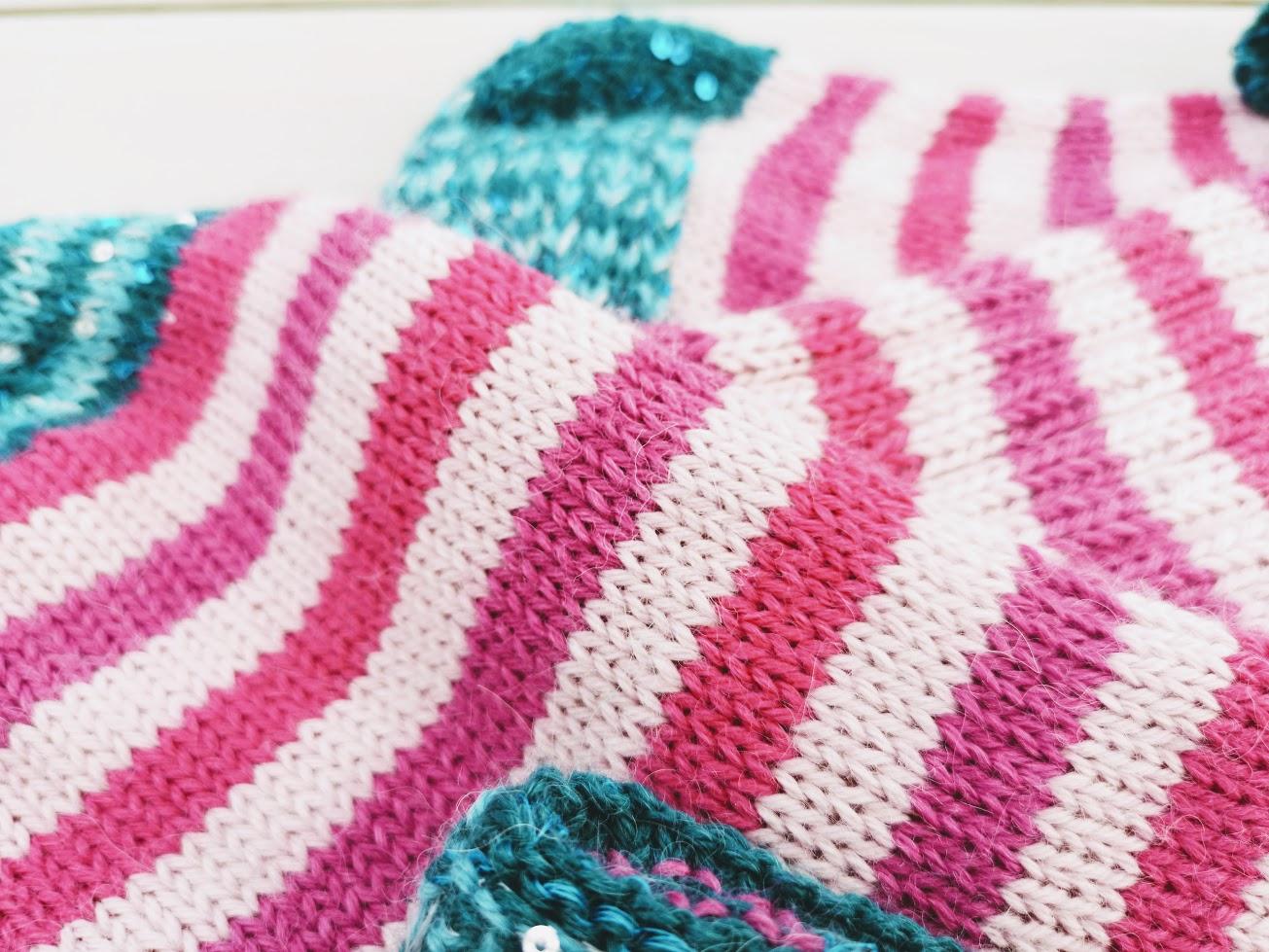 a8ab9051 Ta et minutt eller 2….SE & NYT! Sjekk DEN deilige sokken! Sååå glatt og  fin, men likevel så full av spenst og struktur! Trikset??