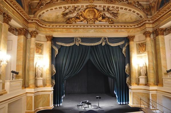 Teatr Wielki i Warszawa – kom i møte med høykultur