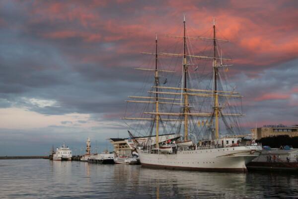 Ikke bare skipet- Dar Pomorza i Gdynia