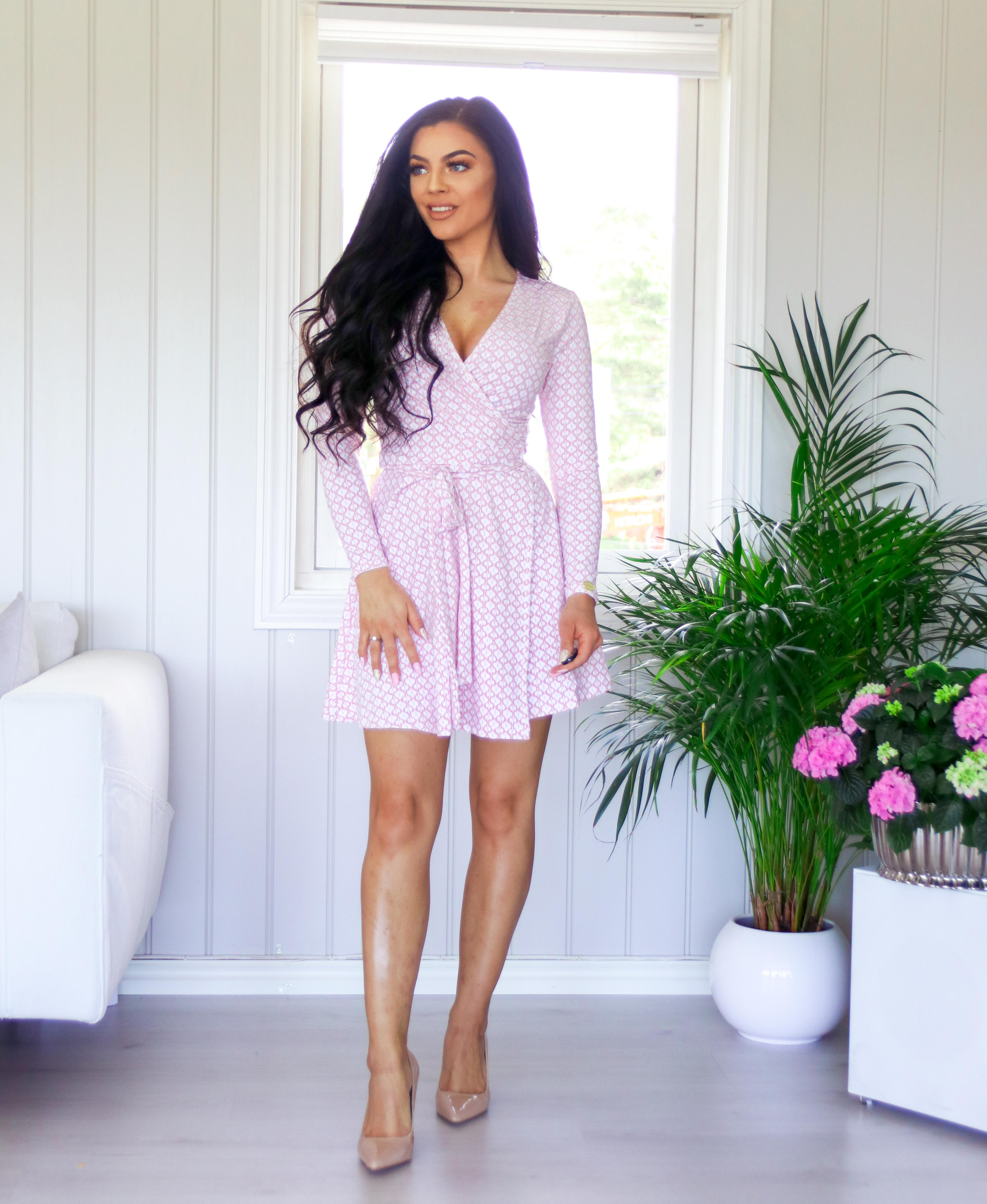 3946e5c5 Denne kjolen har jeg i tre varianter nå (den ene kjøpte jeg i fjor), fordi  den er så fin og behagelig. Perfekt å bruke på våren og sommeren som en  lett ...