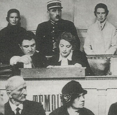 Christine and Léa Papin at trial.