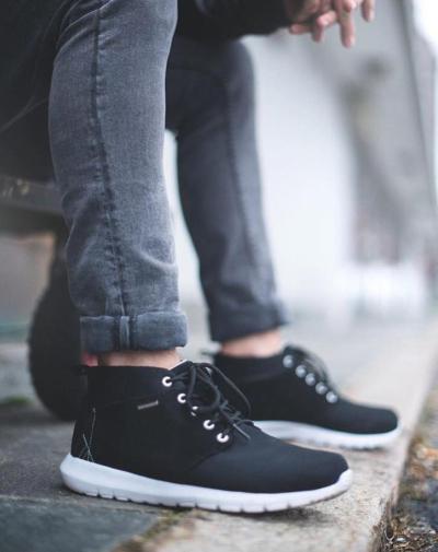 83388c40f99 Jeg med mine tømmerstokker , og mine lymfeutfordringer, jeg sliter alltid  når jeg skal ha sko. Å finne gode sko til mine bein, det er helt umulig!