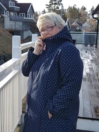 21d217b2 Softshelljakken fra Zhenzi er absolutt å anbefale om du skal ha en  hverdagsjakke du kan bruke til flere formål, og flere årstider. Dette er en flott  jakke ...