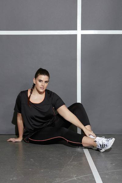 b1700a49 Det å ha behagelige treningsklær, det kan absolutt øke lysten til å være  aktiv. Treningen blir ikke optimal når buksene er for trange, eller sklir  ned hele ...