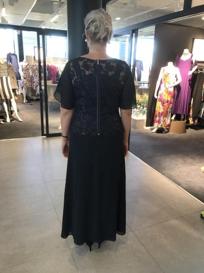 42587ffd5 En størrelse for stor - HeidiRosander – Nydelige kjoler til store ...