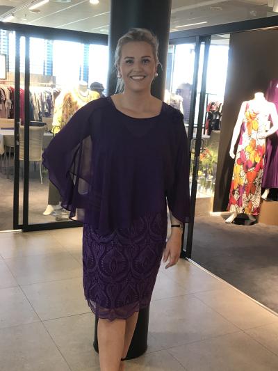 1312b111 Butikkene fylles nå med kjoler, og selskapsklær fra KK Design. Trenger du  en kjole til den helt spesielle anledningen, så bør du ta turen og se på ...