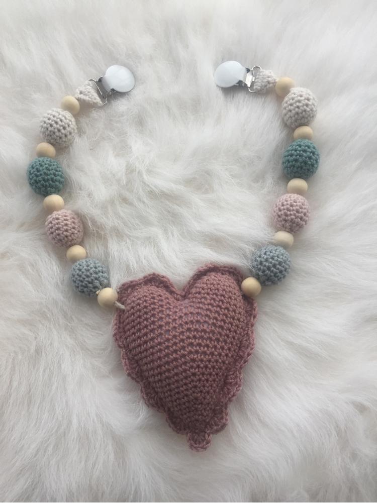 3cc46d2f StrikkeogHekleLise – Ganni inspirert genser til barn 💕