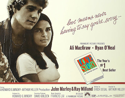 5cb7178f BEAUTIFUL THING (Storbritannia, 1996) To tenåringsgutter i en forstad til  London får følelser for hverandre, i denne britiske romantiske komedien.