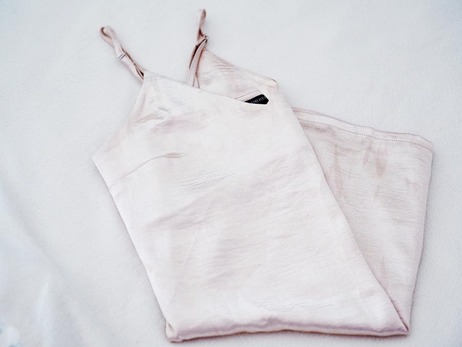 0f05376f Forever 21 kjole kjøpt i Miami. Tenk at jeg allerede har klart å få flekker  på den som er vanskelig å få av, tyyyypisk!