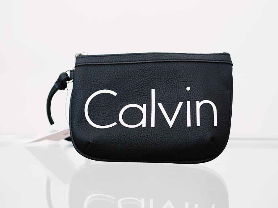 fab90c8d Calvin Klein veske kjøpt i Orlando. Den er ikke så fin akkurat nå, men jeg  skal redesigne den så det blir en crossover veske. Akkurat nå er den bare  til å ...