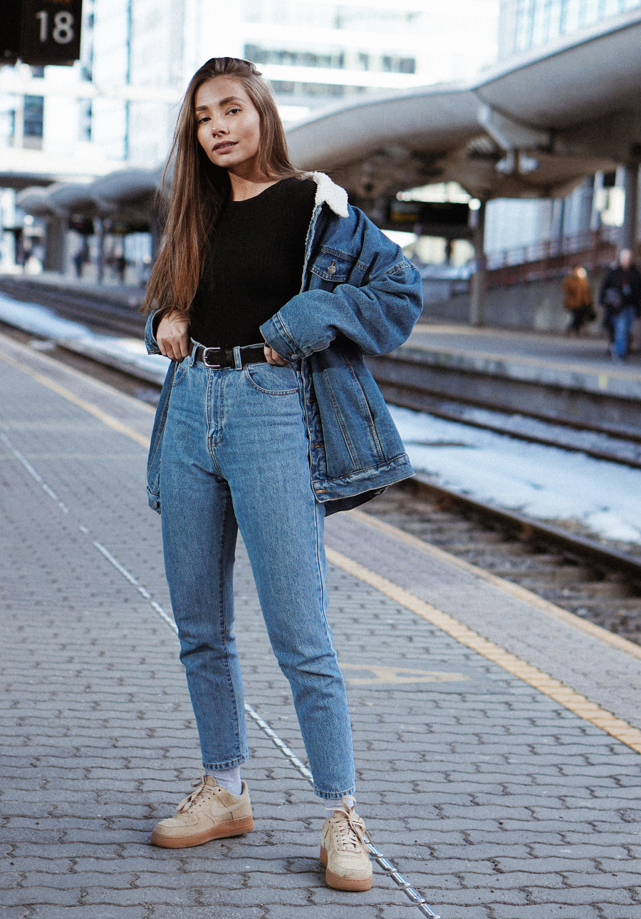 MADELEINE PEDERSEN – ANTREKK: NEVER TOO MUCH DENIM