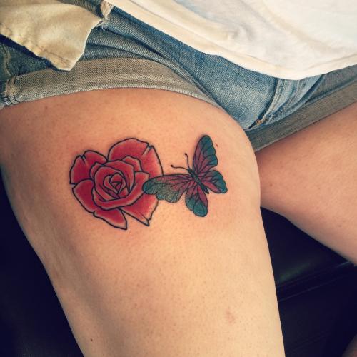 Stor kuk tatovering