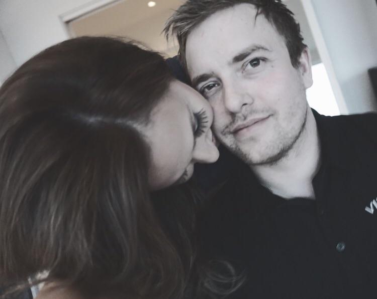 dating noen med en kjæreste Gratis USA datingside 2014
