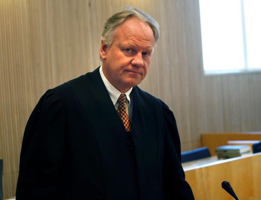Bakkens (49) halvsøsken har kjempet for å få Sigurd Klomsæt som advokat. Nå har de vunnet i Eidsivating lagmannsrett