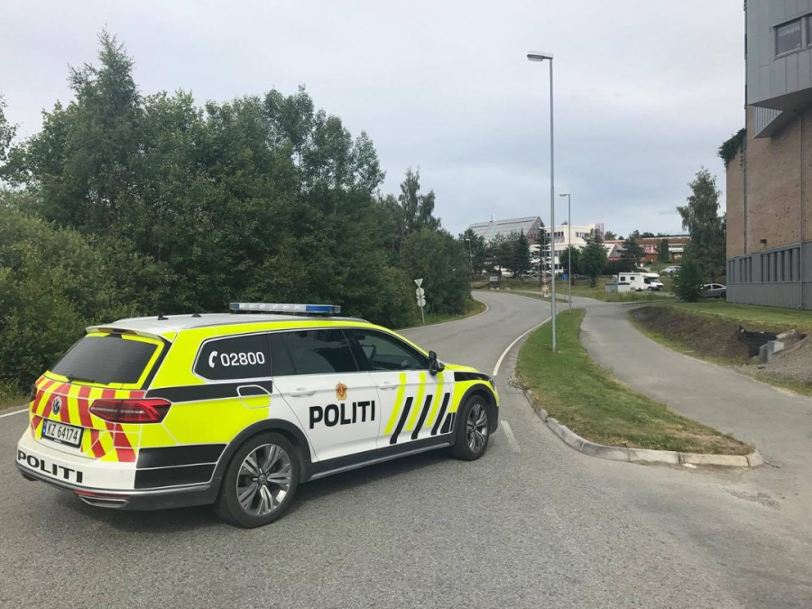 Det er funnet mistenkelig gjenstand på Hamar. Bombegruppa fra Oslo politidistrikt er på plass
