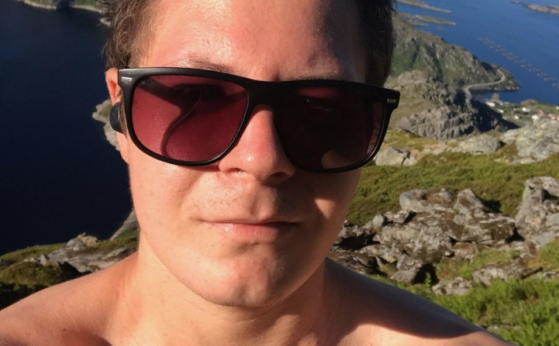 Christian Trogstad Næss (22) ble reddet fra samme fjell to dager på rad. Han skulle bare hente gjenglemte ørepropper