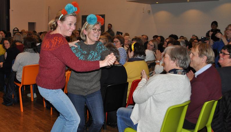 Nå har Stine Sofies Stiftelse lansert sin egen og nye strikkekolleksjon.Det fant sted i Grimstad