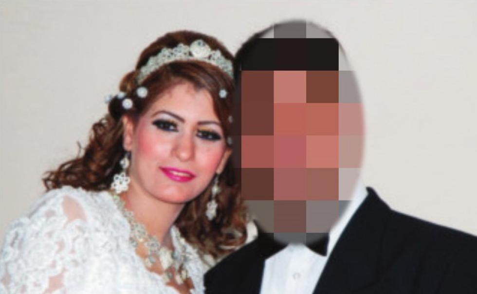 Ektemannen (54) er tiltalt for å ha kvalt ex-kona og forlatt datteren i leiligheten med sin døde mor