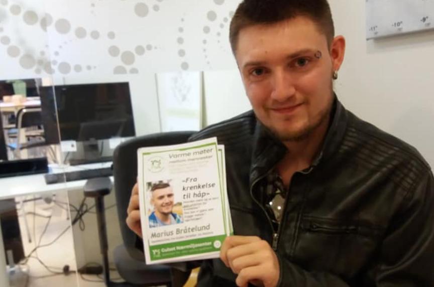 Marius Bråtelund (28) ble utsatt for vold og overgrep.Holder foredrag til uka