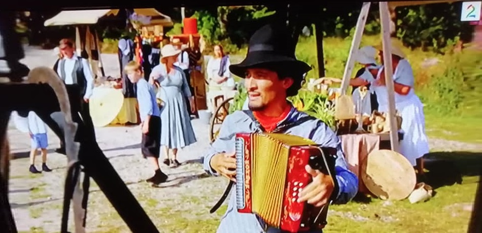 Med torader skal Telemarkingen skape litt liv med musikk i fem episoder av Farmen på TV2