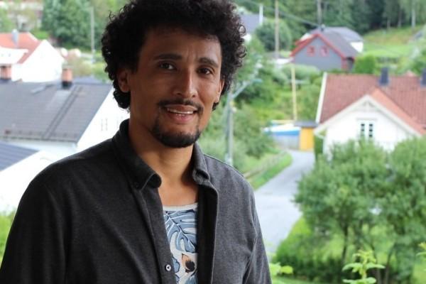 Mauricio (35) ble adoptert til Norge. Da ble han utsatt for overgrep, vold og rasisme i hverdagen