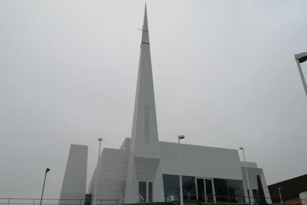 Østre Porsgrunn kirke er Norges er kåret til styggeste kirke. Kåringen har skapt heftig debatt.