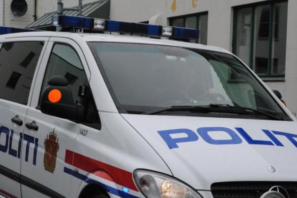 En mann i 40-årene er pågrepet etter en trusselsituasjon på Blå Kors Sør Rehabilitering etter han hadde skutt og ødelagt et vindu