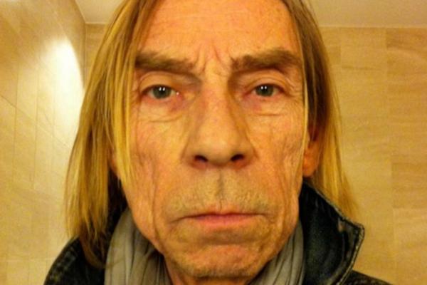 Den folkekjære musikeren Jahn Teigen døde på Sykehus i Sverige. Han ble 70 år gammel