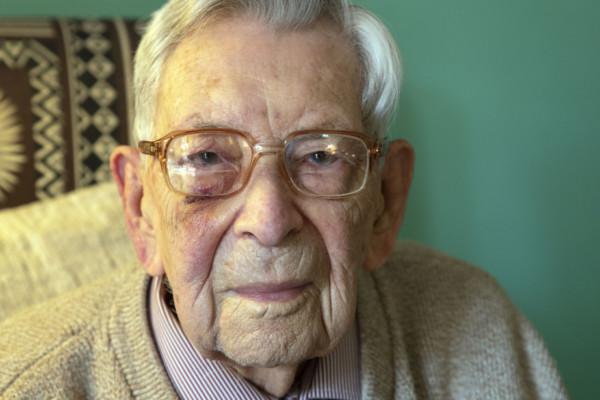 Bob Weighton (112) er offisielt verdens eldste nålevende mann. Det bekrefter Guinness World Records